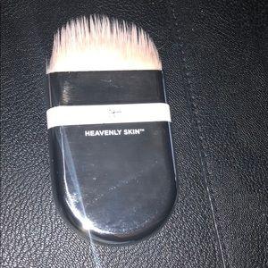 IT COSMETICS: Brush